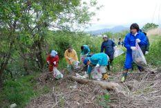 『馬淵川クリーン作戦2008』名川地区 地域清掃活動